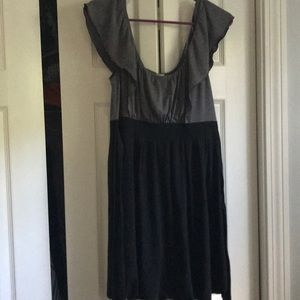 🌸 2 for $20 🌸 Gray and black dress!